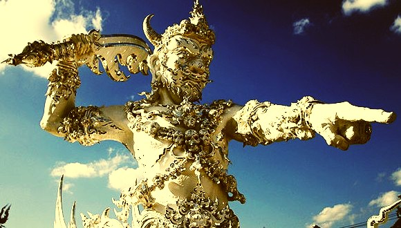 white-temple-wat-rong-khun-warrior-sculpture-chiangrai_crop_color
